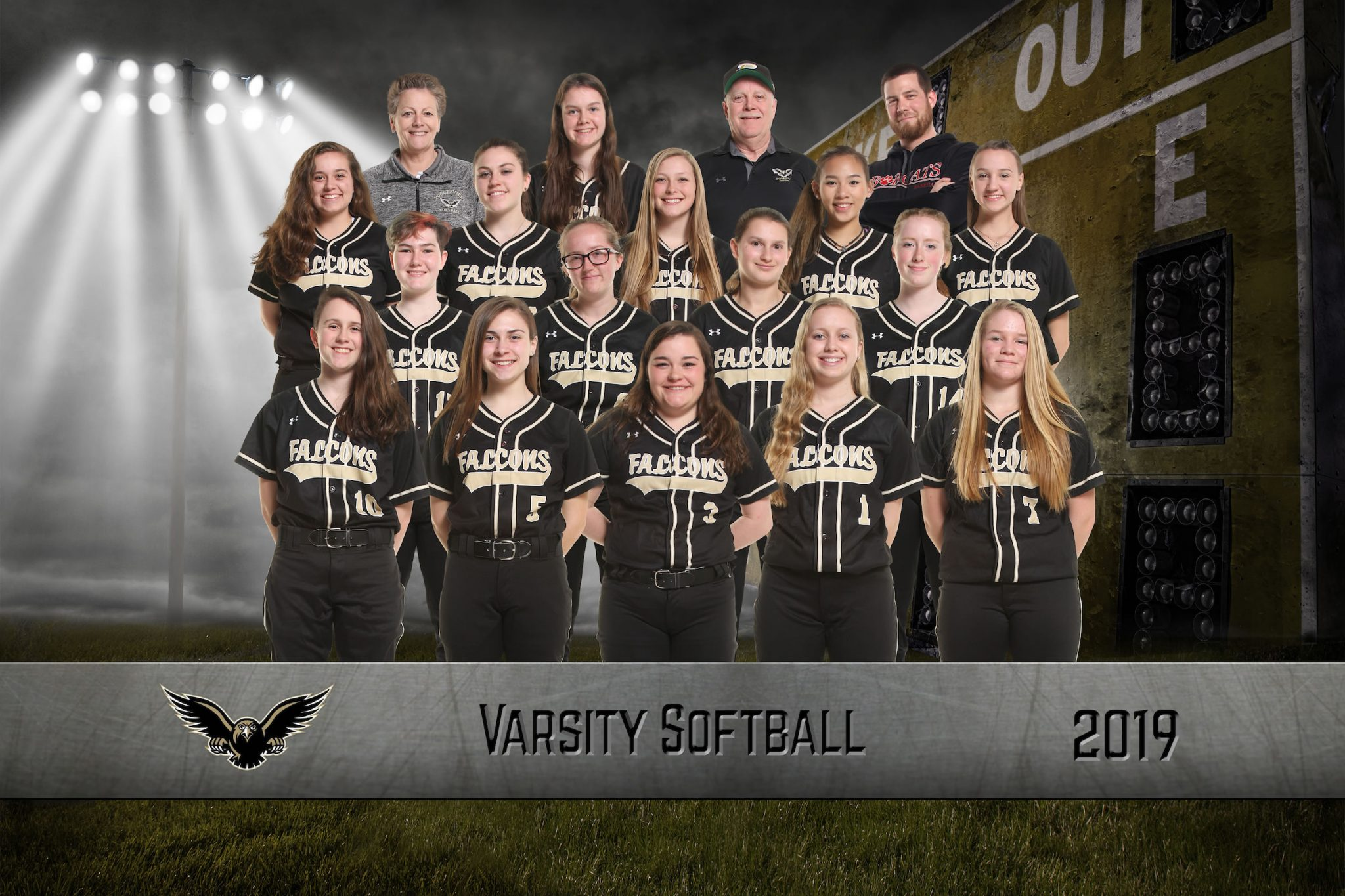 varsity softball team picture 2019